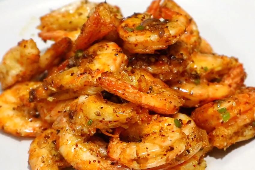 椒盐虾想吃自己做,简单这么做,外焦里嫩,下酒又下饭,一盘不够