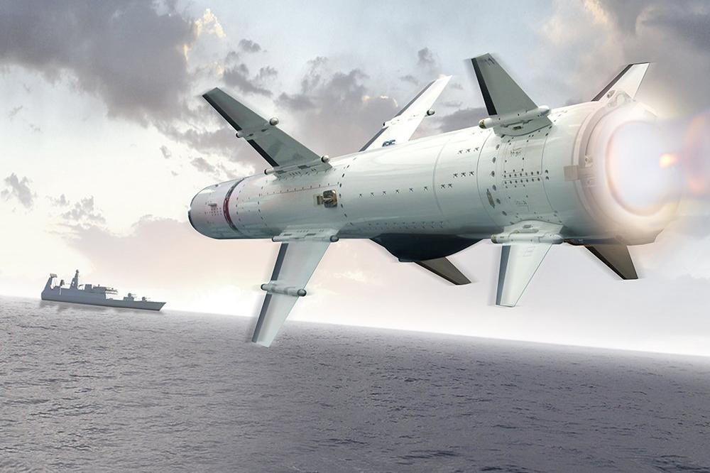 一发鱼雷将驱逐舰拦腰打断,导弹却做不到,为何鱼雷威力这么大?