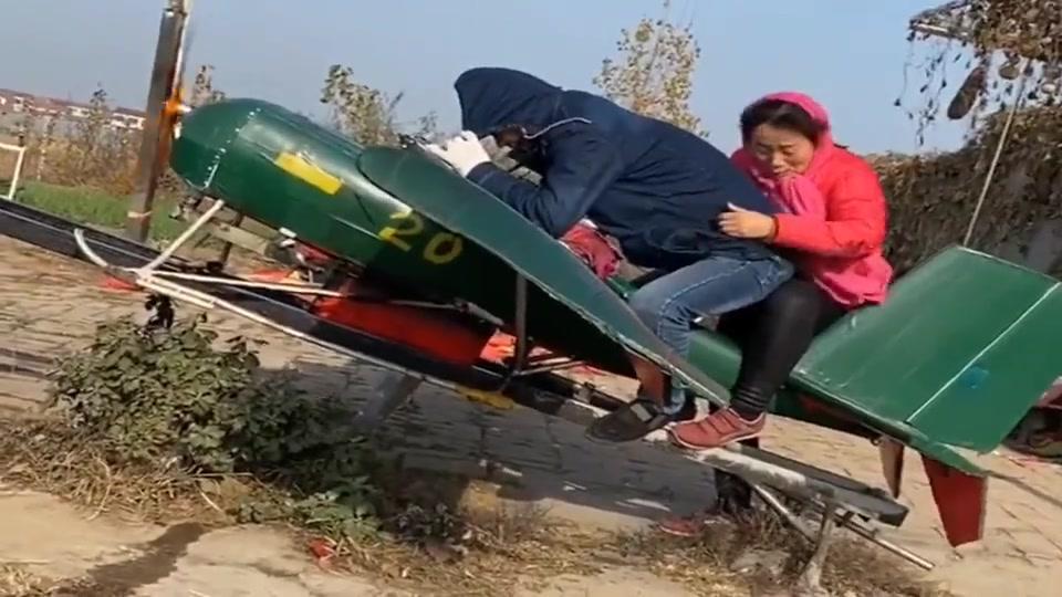 农村总是人才济济,大哥在家自创的飞机,还梦想着能飞起来!