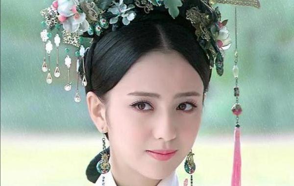 女星古装中分发型,杨幂刘亦菲迪丽热巴哪一个是你心中的最美?