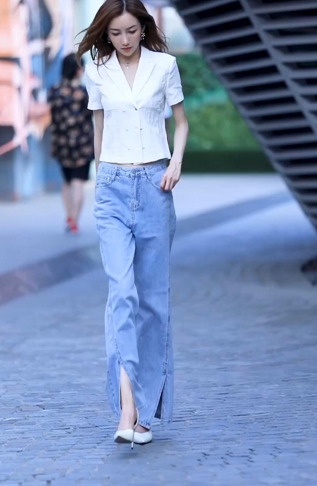 御姐风小姐姐,简约西装半袖搭配阔腿裤,彰显霸气女王气场