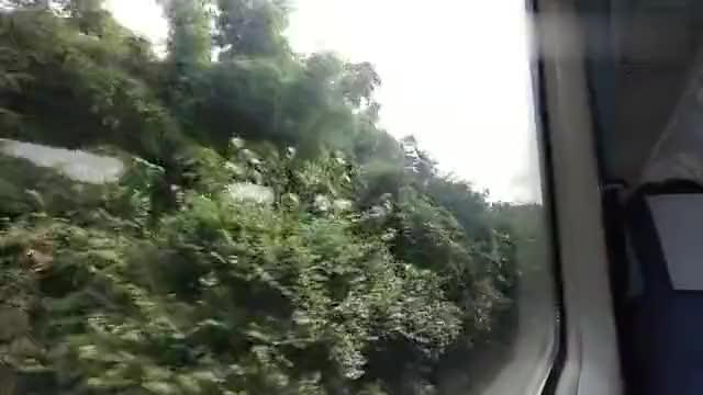 火车旅行,成渝铁路,龙泉山中的小站会车
