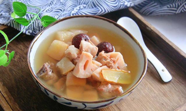 越是秋燥天,越要给孩子喝这汤,滋补润燥又好喝,秋天要多喝