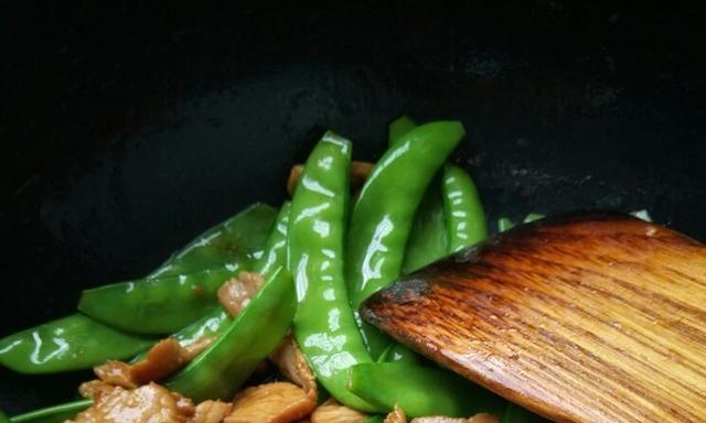 家常下饭菜谱,荷兰豆炒肉,简单美味营养,秒光3碗米饭