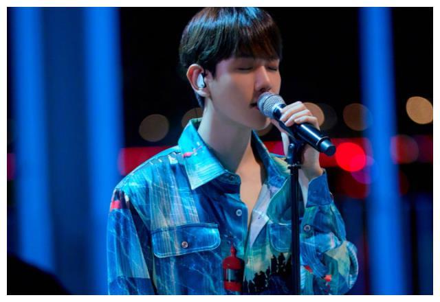 近期最火的韩流艺人:朴灿烈第4,吴世勋第2,榜首是主唱的他