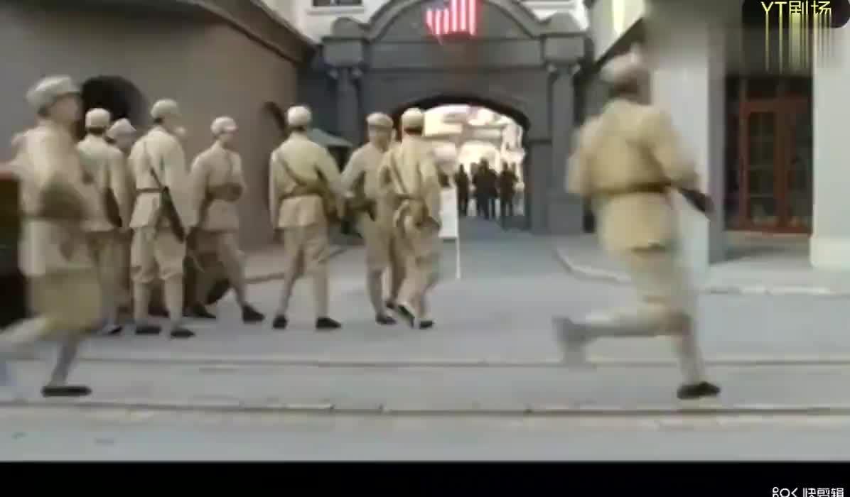影视:解放军接管美军兵营,美军官竟然敢嚣张,解放军霸气回应