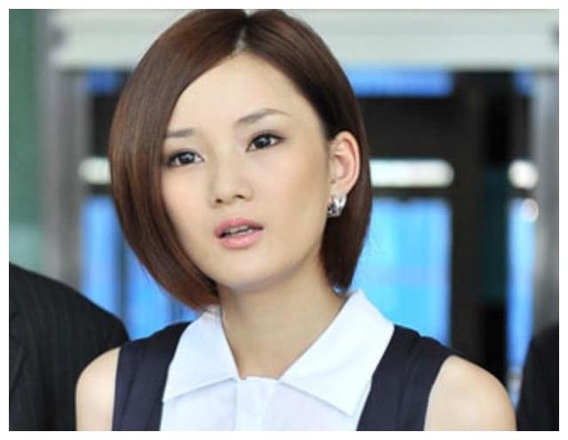 《红苹果乐园》女主角馨子,让黄圣依作配的女一号,却变成了柜姐