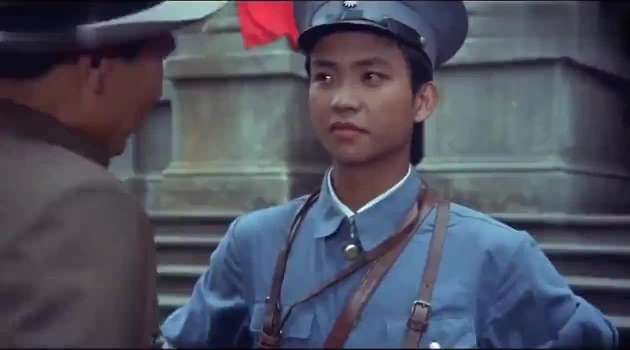 贺龙军长:特务擅闯铁军部,怎料铁军部不是好惹的,被拖出去枪毙