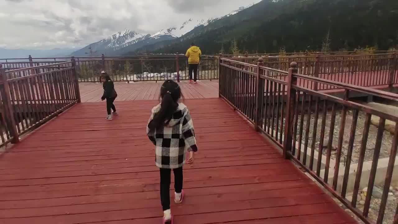 河南小夫妻穷游中国,白马雪山云南海拔最高的雪山,但已荡然无存