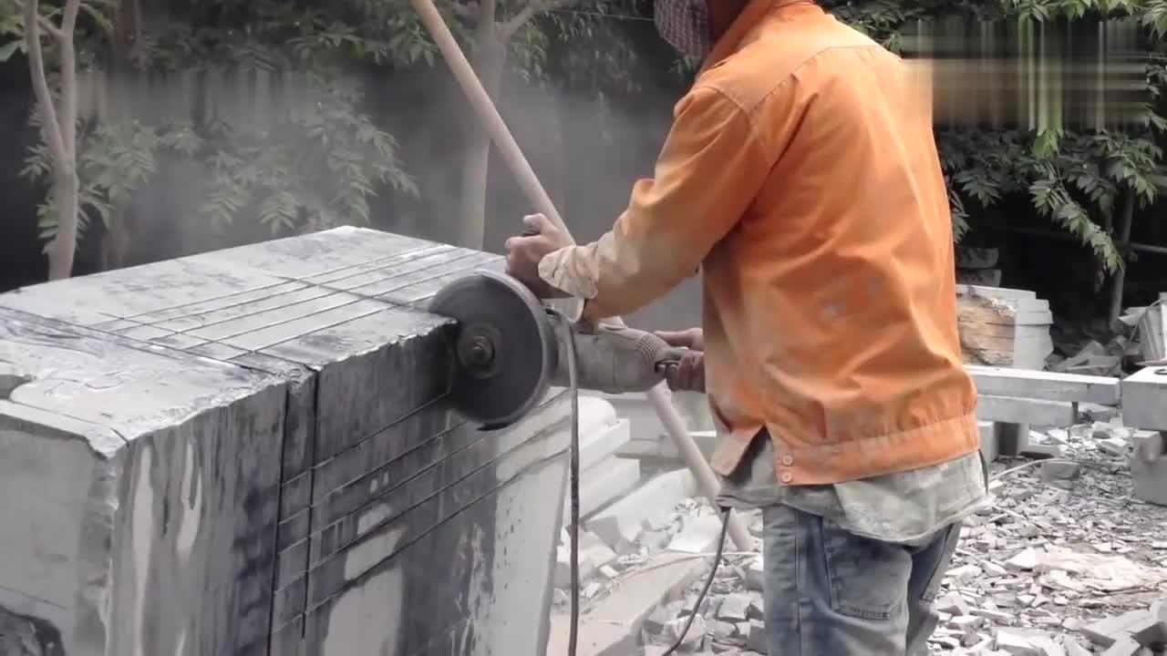 高手切割大理石,那些漂亮的大理石作品都是这样切出来的吧!
