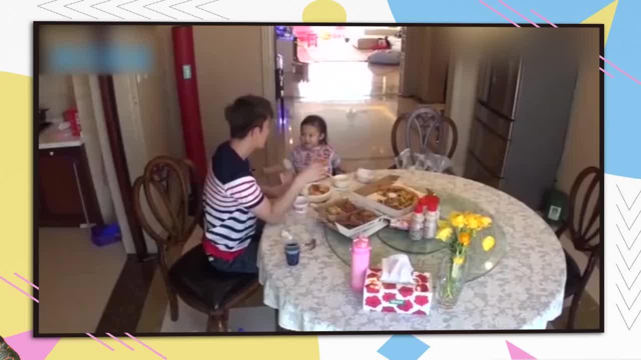 贾乃亮独自带女儿吃饭,谁料甜馨一个口误,暴露李小璐真实生活