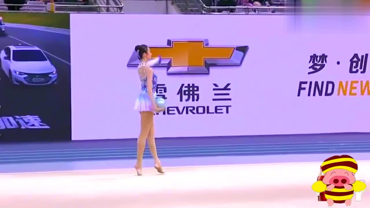 女星跳艺术体操合集,张艺凡跳起来美得像精灵,程潇为国争光!