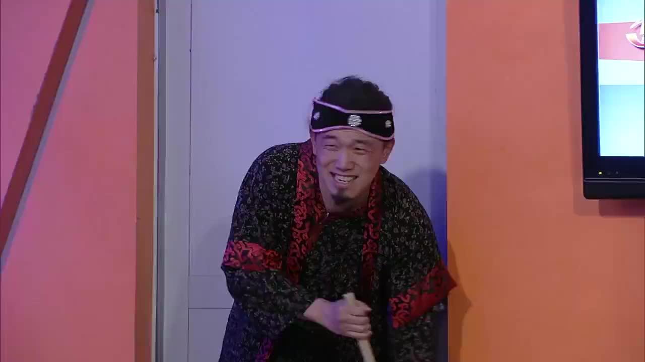 张子栋成博士,研究出来各种奇葩装备,张一鸣看了很无奈