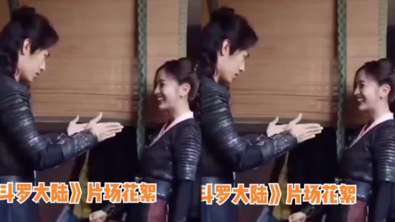 《斗罗大陆》花絮,肖战在片场主动摸吴宣仪的手,互动超甜蜜