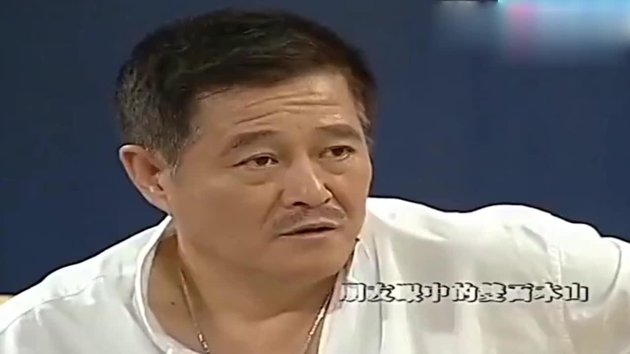 综艺:鲁豫问赵本山:你在东北吃饭不用花钱?赵本山回答逗乐观众