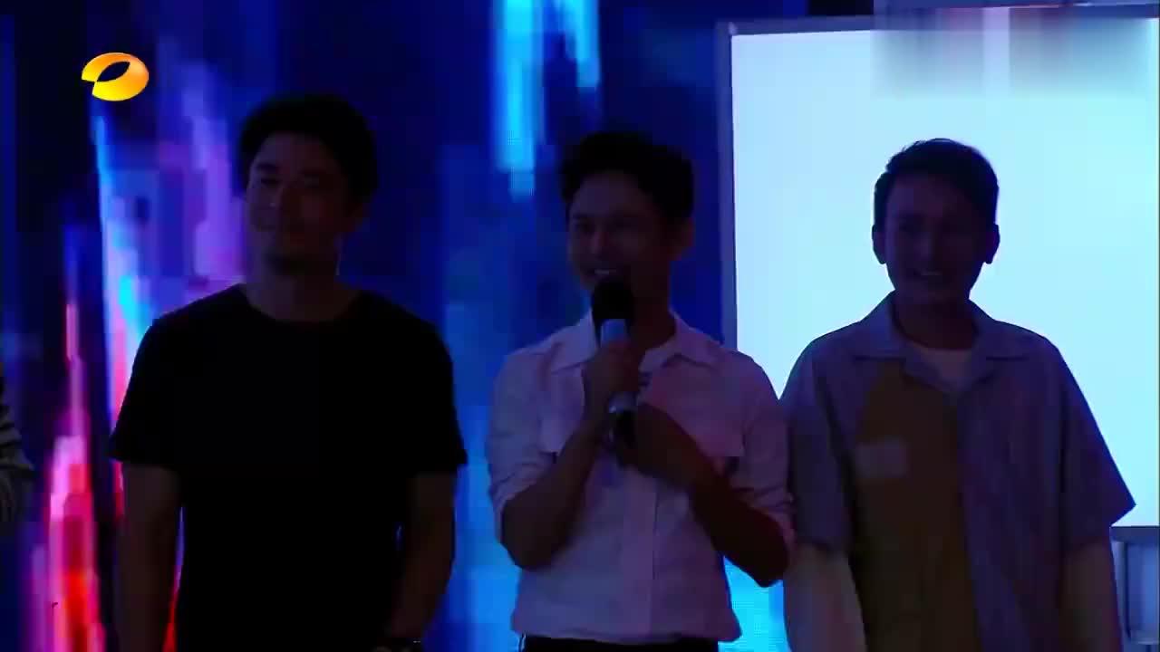 快乐大本营:杨幂谢娜互唱对方成名曲,表演太精彩,观众都惊呆了