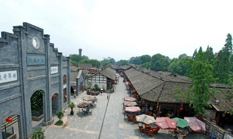 绿水青山美丽乡村 安仁古镇位于我们国内的四川成都境内