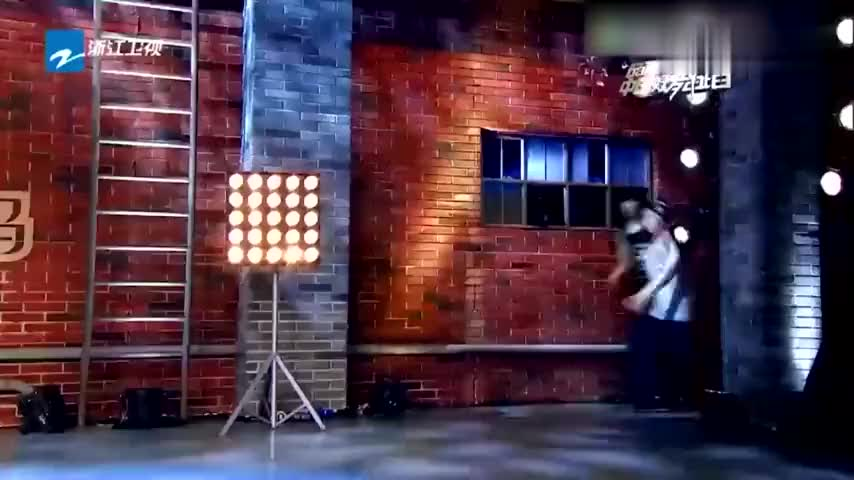 好舞蹈:兄弟俩配合默契,霹雳舞大秀全程高能,台下尖叫不止!