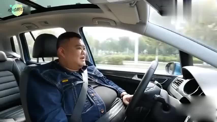 孙越开车接受采访,看看是什么样的车?能让300斤的他开着宽敞