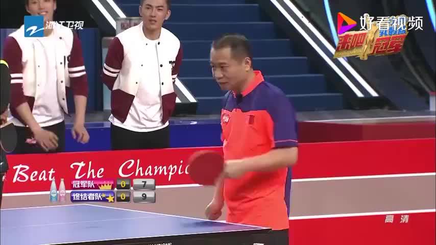 """王祖蓝用变态球桌反超王涛,王涛""""怒""""摔球拍,心疼王涛一秒钟!"""