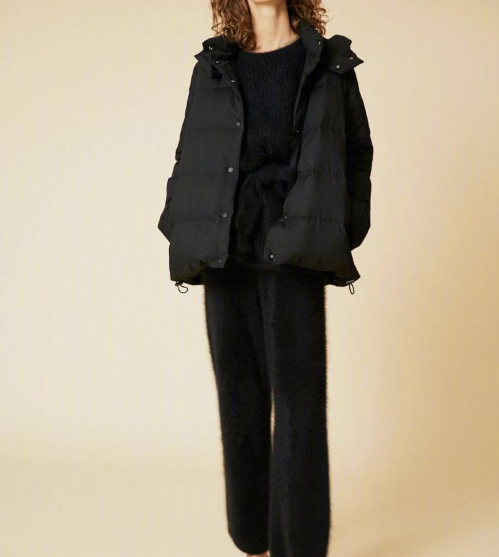 """中年女性如何穿出高级感?记住这""""三要""""原则,时尚减龄又显气质"""