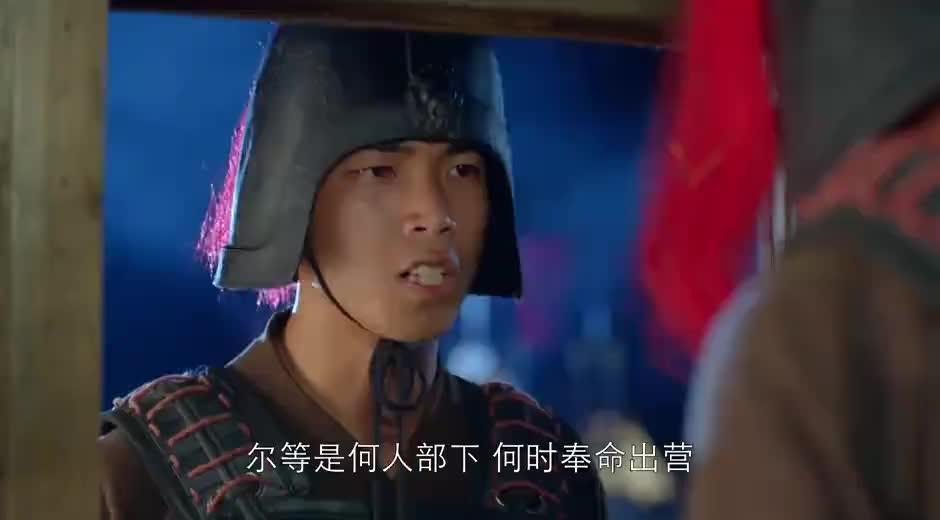 华佗在曹营被监视,关羽派人请他去看病,华佗还以为是曹操在试探