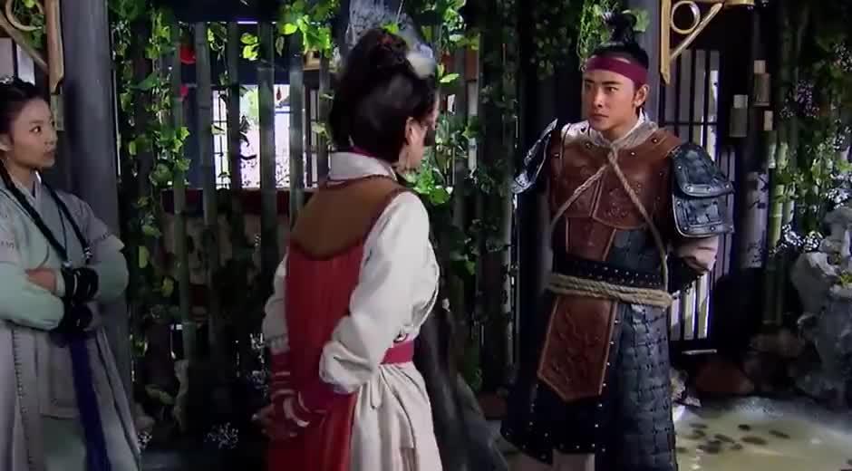 穆桂英生擒杨宗保,坦言只给他两个选择,要么求饶要么就死!