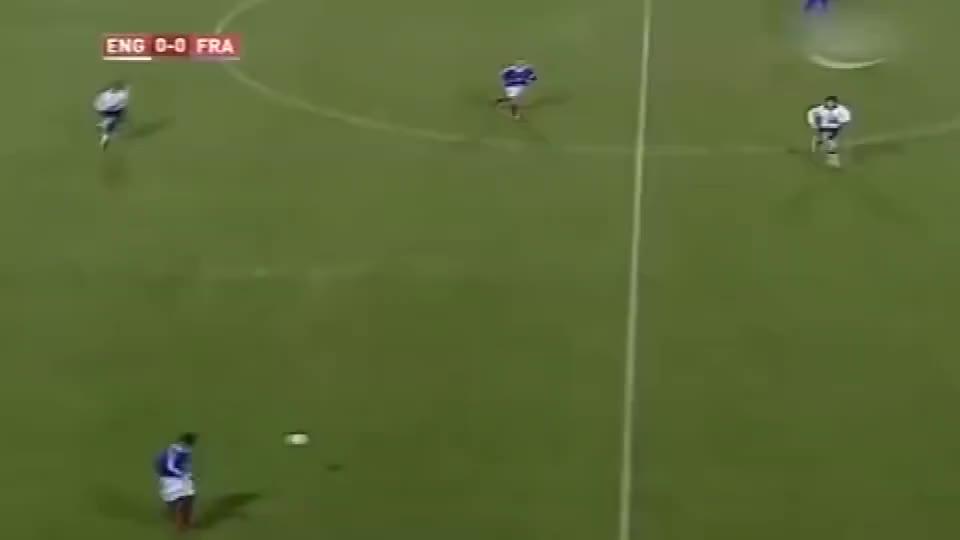 当年欧洲杯上,齐达内这脚给阿内尔卡的助攻,是什么水平?