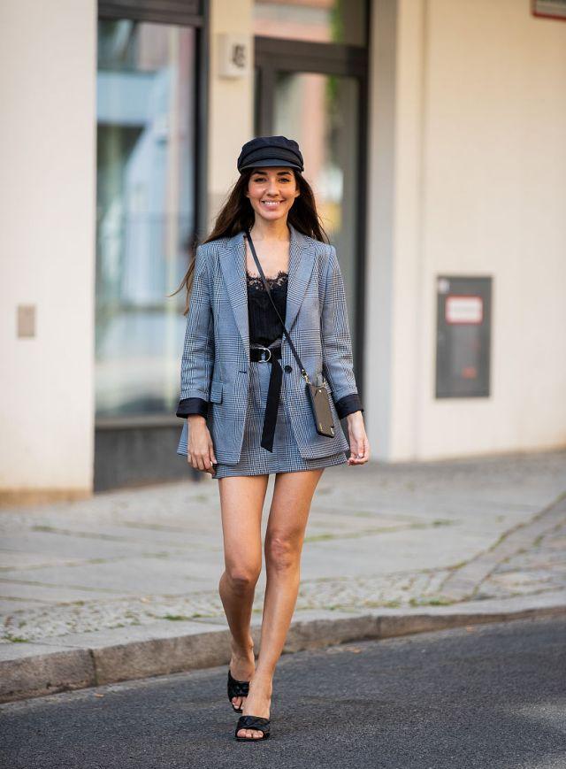 潮流穿搭:西装小短裙组合又甜又A穿出女团范儿