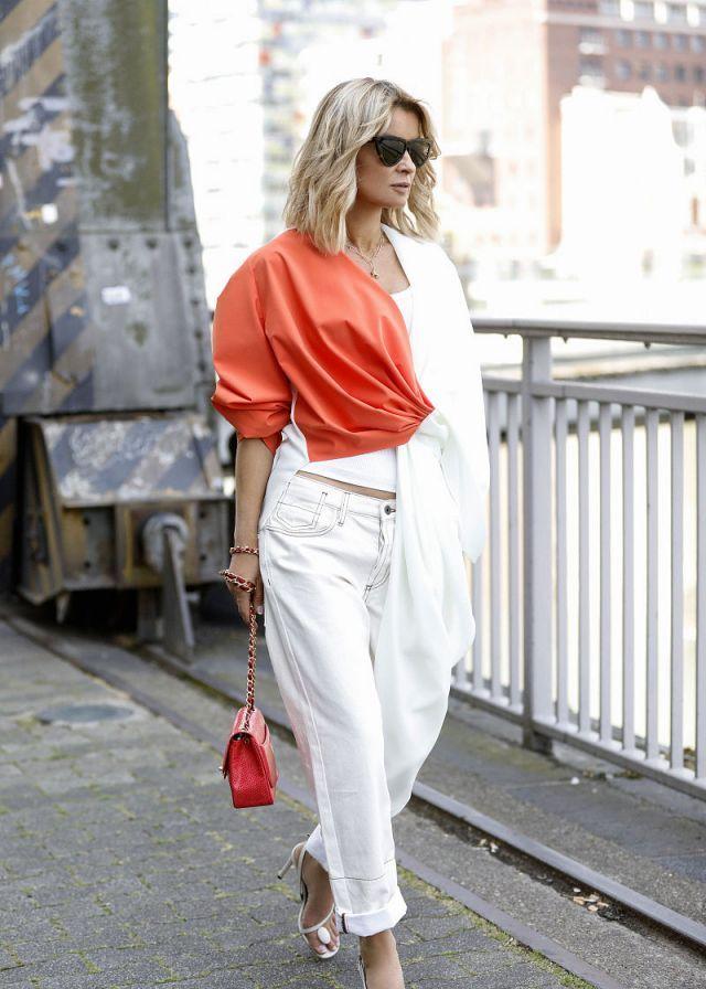 时尚街拍:艺术拼接衬衣 直筒裤简约现代风