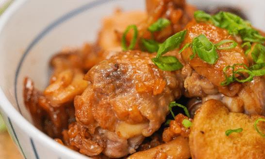 """""""鸡肉""""和""""蟹味菇""""搭配出合适全家人的一款美味又好吃的菜"""