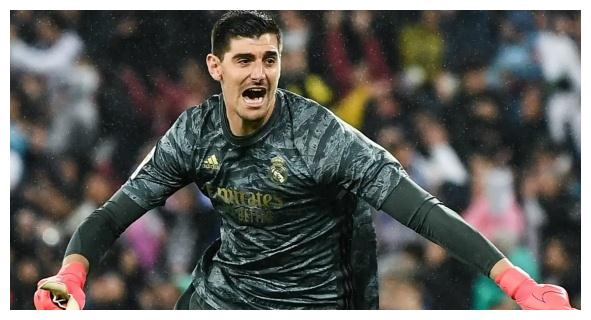 他终于赢得皇马球迷的认可,如今他已成为这一位置上欧洲第一人