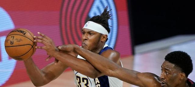 在刚结束的一场NBA季后赛关键战力,迈阿密热火经过四节苦战,最终战胜印第安纳步行者