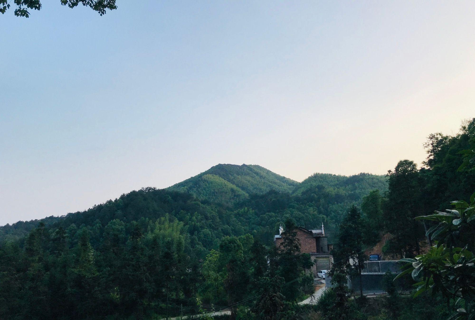 曾国藩故居白玉堂的高眉山