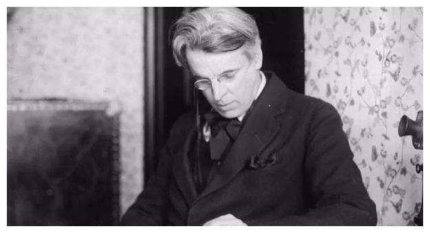 诺贝尔奖得主五次求婚失败,写首情诗,被编成神曲,感动万千国人