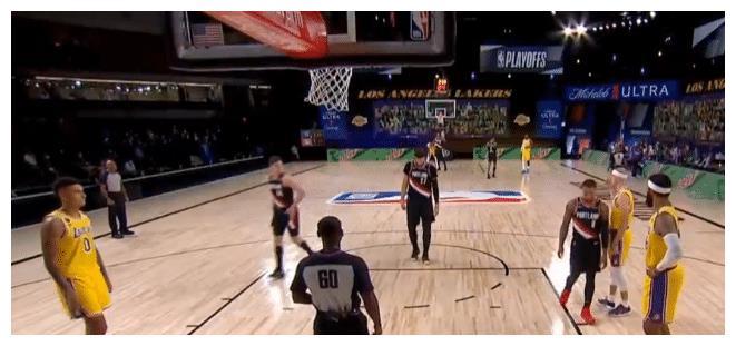 NBA季后赛首轮,开拓者对阵湖人的首场开打!开拓者是通过附加赛才拿到了季后赛资格