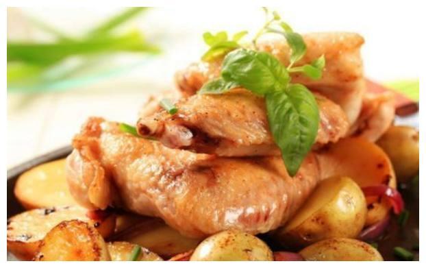 美食推荐:杂蔬炒腊肉、茄汁酥肉、鸡翅焖莴笋、洋葱焖鸡翅