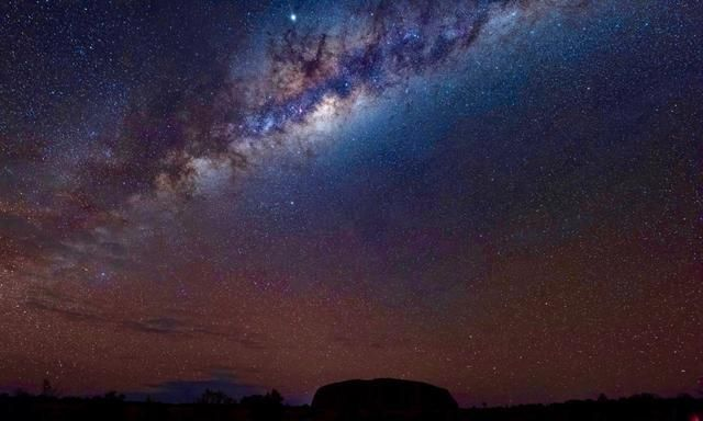 在澳洲的心脏乌鲁鲁,我遇见了今生最璀璨的星河!