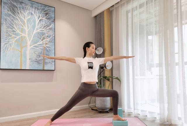 超强柔性瑜伽私教,大长腿,细柳腰,这柔韧性太好啦