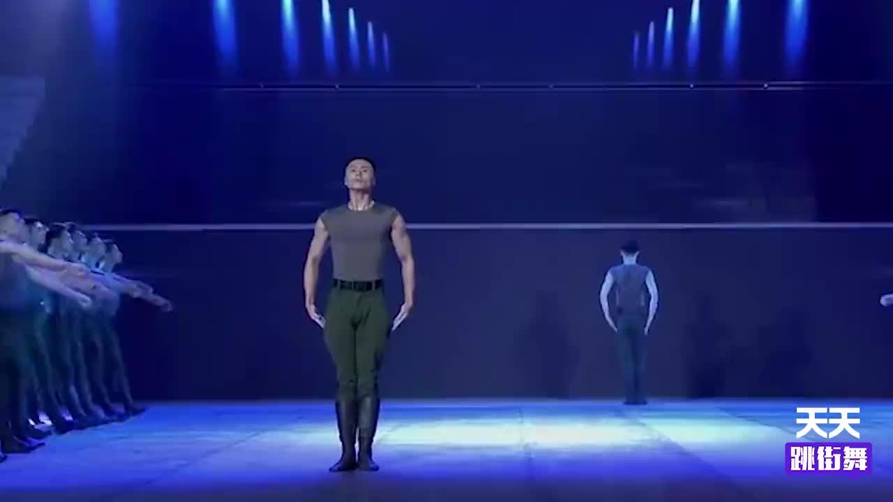 我国最帅军旅齐舞片段,根据军人行进步伐改编,亮相秒杀韩国男团