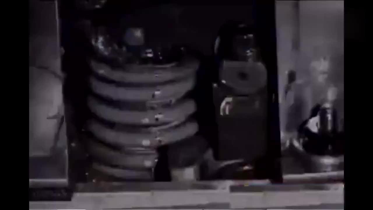 实拍发动机高速旋转时,气门弹簧的惊人现象,超级震撼!