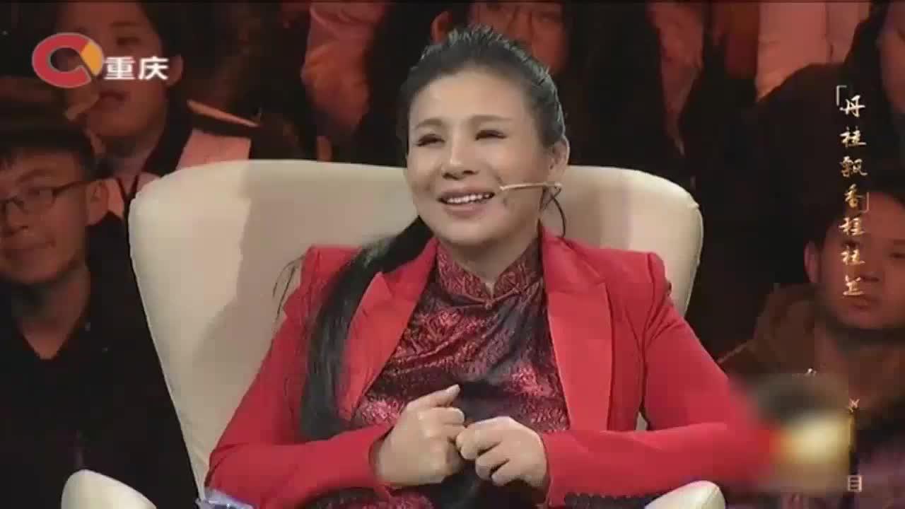 程桂兰老师和恩师聚首,两人同台表演京剧《中国脊梁》