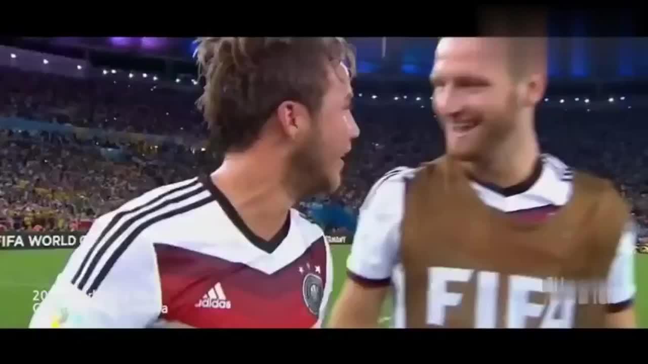 历届世界杯夺冠场景 球迷球员齐落泪