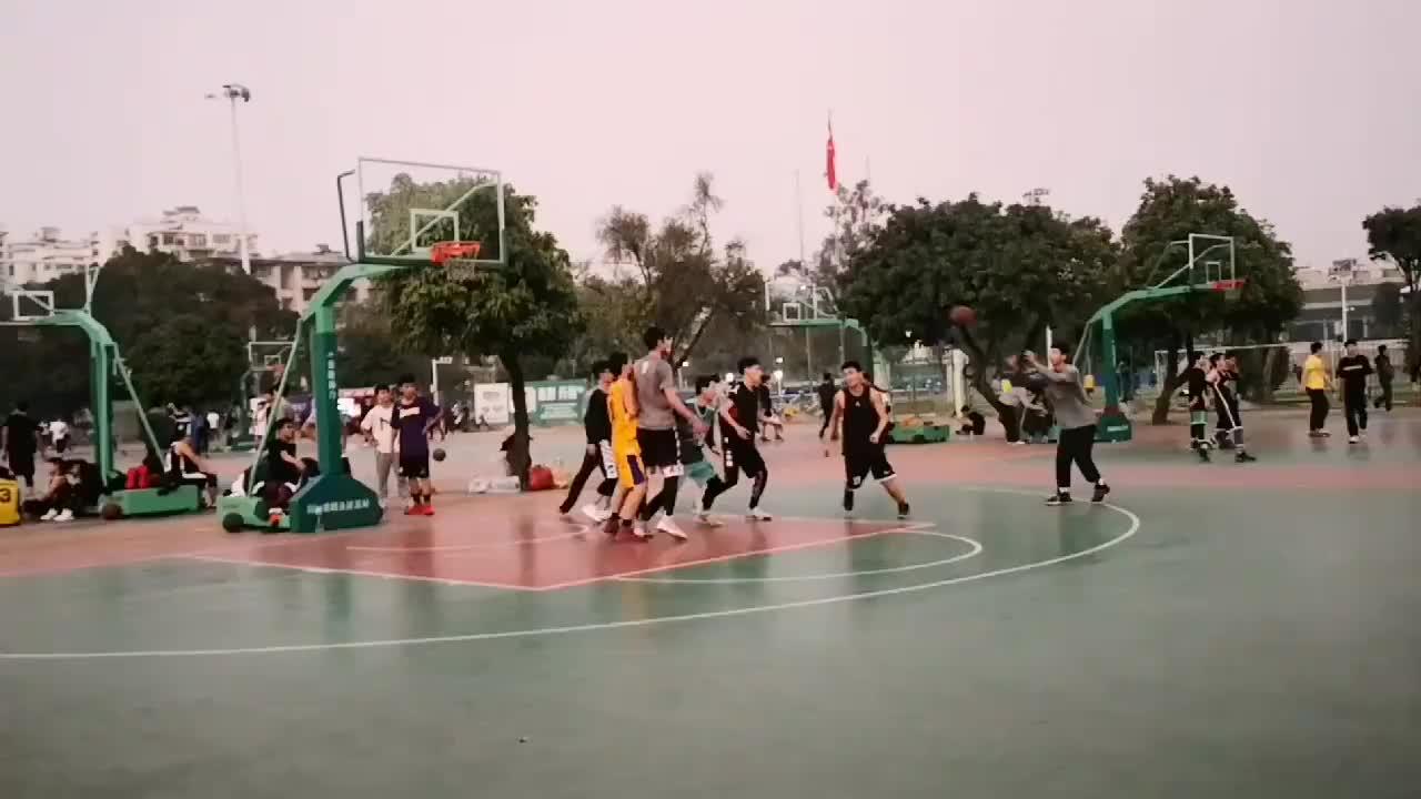 听说广西大学有很多篮球高手,今天来看看果然怎么绝招都有!