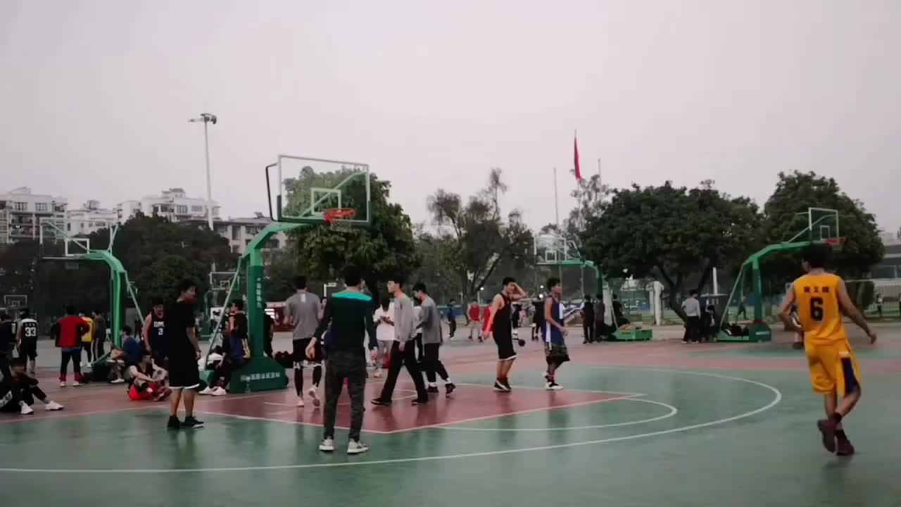 广西大学十几个场地,就这个场地的篮球水平最高了!这水平如何?