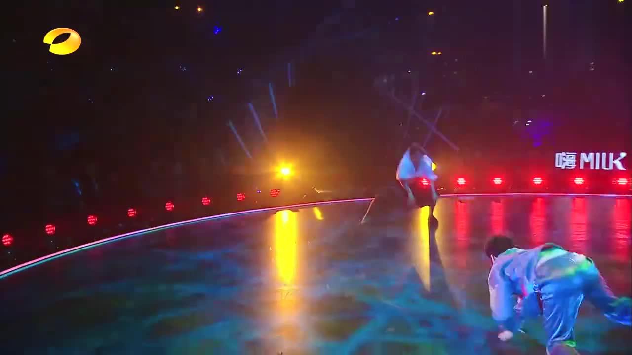 舞蹈风暴:史上最和平的街舞舞者,battle化成最美风景线,震撼!