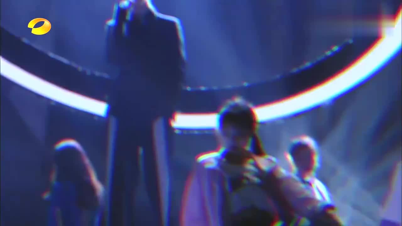 范丞丞新歌《MissedTexts》,跟张艺兴风格有的一拼,加油吧少年