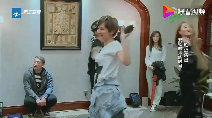 汪东城观看热依扎跳舞,竟然说出这种话,太让人意外了
