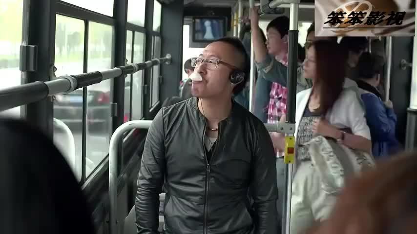 咱们结婚吧:高圆圆公交车遇假星探,黄海波霸气解围,看傻乘客