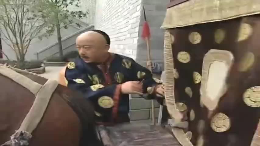 纪晓岚提醒和珅不要耍奸 可是这货就是不听 看他怎么演戏